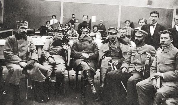 640px-czaki_sieroszewski_pilsudski_kasprzycki_slawek-_zakopane_1914